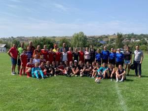 Fetele din Fălticeni și Nimoreni și-au urat reciproc succes în competiţiile viitoare