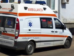 Cele două femei au fost preluate de ambulanţe