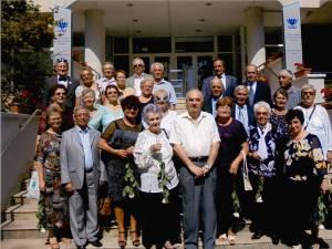 Întâlnire emoţionantă la 50 de ani de la absolvirea Institutului Pedagogic Suceava