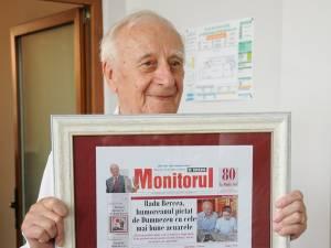 Conducerea ziarului Monitorul i-a oferit maestrului o machetă a primei pagini a cotidianului