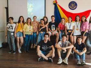 """Şcoala de vară a bobocilor de la Colegiul """"Mihai Eminescu"""", o iniţiativă care devine """"tradiţie"""""""