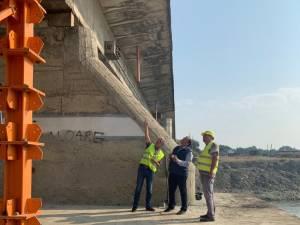 Presedintele CJ Gheorghe Flutur a inspectat lucrarile de la podul de la Veresti