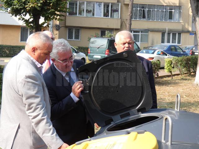Cel mai modern sistem de colectare al gunoiului menajer a fost implementat la Suceava