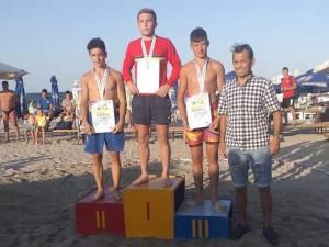 Iulian Felix Dediu a câştigat bronzul la naţionalele de lupte pe plajă pentru cadeţi