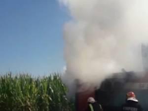Incendiu la o combină agricolă, la Marginea