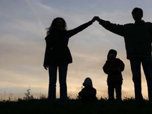 Părinții, cei dintâi și mai de preț educatori