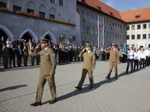 Prima defilare în uniforma militară pentru cei 120 de boboci ai Colegiului Militar din Câmpulung