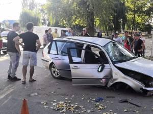 Maşina care s-a răsturnat