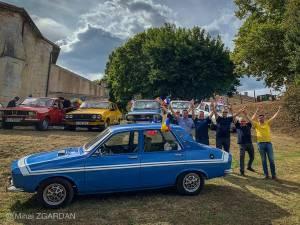 Colecţionarii români cu maşinile cu care s-au deplasat în Franța