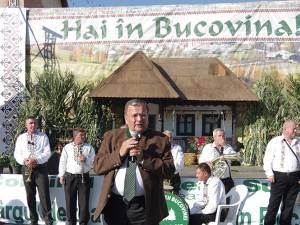 """Gheorghe Flutur a deschis oficial Târgul de toamnă """"Produs în Bucovina"""""""
