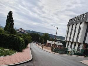 Strada Viitorului din cartierul Obcini şi strada Putna, din cartierul ANL de la Gara Burdujeni au fost modernizate