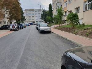 Strada Viitorului din cartierul Obcini şi strada Putna, din cartierul ANL de la Gara Burdujeni, au fost modernizate