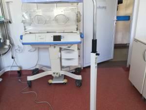 Trei unităţi medicale din judeţ vor primi aparatură medicală de la Salvaţi Copiii