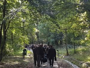 Campania de curatenie cu voluntari, in Parcul Sipote
