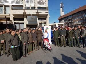 Voluntarii campaniei de curatenie, adunati in centrul Sucevei 2ll