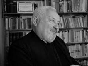 Preotul Florin Bucescu