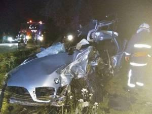Impactul dintre cele două maşini a fost deosebit de violent