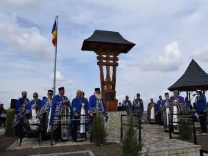 Troiţa în amintirea ostaşilor Regimentului 2 Grăniceri şi Regimentului 16 Dorobanţi a fost sfințită ieri