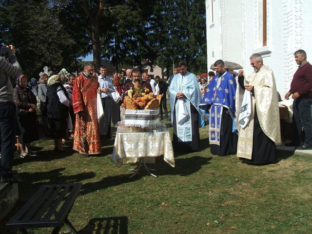 """Prinos de recunoștință adus fiilor satului, la Parohia ortodoxă """"Sf. Nicolae"""" din Păltinoasa"""