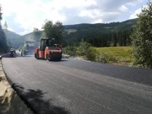 Drumul care leagă judeţul Suceava de Maramureş va fi recepţionat integral până la sfârşitul lunii viitoare