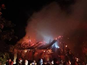 Soții Magopăţ nu au putut fi salvaţi din incendiu, în ciuda desfăşurării impresionante de forţe de intervenţie