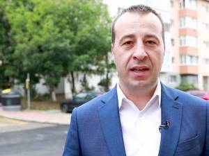 Viceprimarul Lucian Harșovschi, care s-a ocupat de implementarea programului de modernizare de la scara blocului
