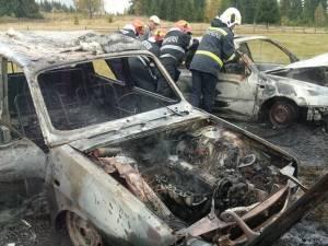 Doua autoturisme au fost distruse in incendiul de la Dorna Arini