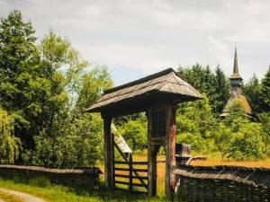 Satul românesc, spațiu de cultură şi permanență