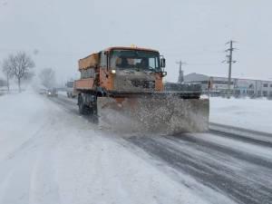 În zona de munte s-a circulat în condiţii de iarnă. Foto: DRDP Iași
