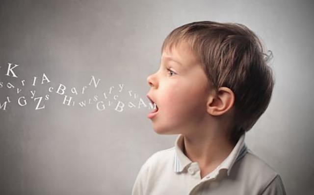 Problemele de pronunție afectează dezvoltarea limbajului