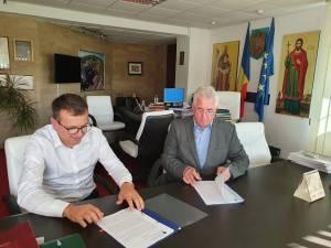 """Contractul de proiectare și execuție a proiectului de alimentare cu apă și canalizare a  cartierului Tatărași a fost semnat cu """"Euskadi"""" SRL Timișoara"""