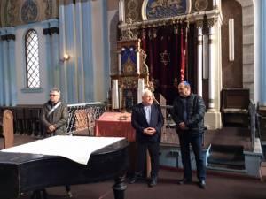 Ziua Comemorării Holocaustului marcată, ieri, la Sinagoga Mare din Rădăuţi