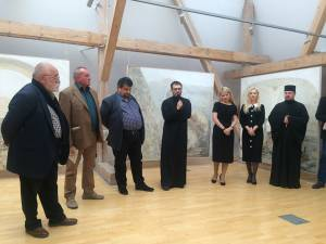 """Expoziția """"Arta memoriei"""", purtând semnătura artistului rădăuţean Traian Postolache, vernisată la Muzeul de Istorie"""