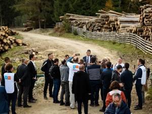 Dan Barna a declarat la Moldoviţa că stoparea tăierilor ilegale din păduri va fi o prioritate a sa