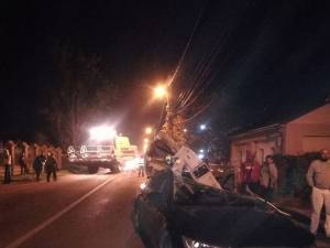 Autoturismul avariat și combina, implicate în accident