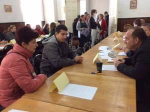 Aproape 150 de tineri au participat la Rădăuți la Bursa locurilor de muncă pentru absolvenţi