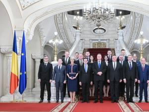 Guvernul Orban după depunerea jurământului la Palatul Cotroceni