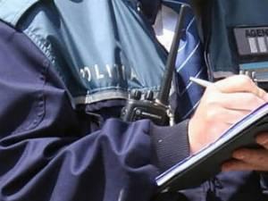 Peste 20 de permise auto reţinute de poliţişti în timpul unei acţiuni de prevenire