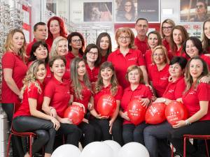 Clinica Novaoptic împlineşte astăzi 20 de ani de activitate