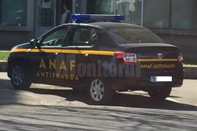 Inspectorii de la ANAF au drept de a opri maşini pentru control