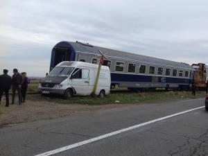 Şoferul nu a văzut trenul, declarând că se uita la grâul de pe ogor