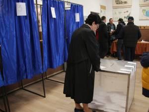 Aproape 60.000 de suceveni au votat in cursul diminetii