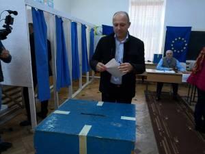 Senatorul PNL Daniel Cadariu a votat pentru un președinte care știe să vorbească corect românește
