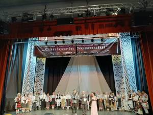 """Spectacol aniversar și Festivalul ,,Cântecele Neamului"""", organizate de Şcoala de Arte ,,Ion Irimescu"""" Suceava"""