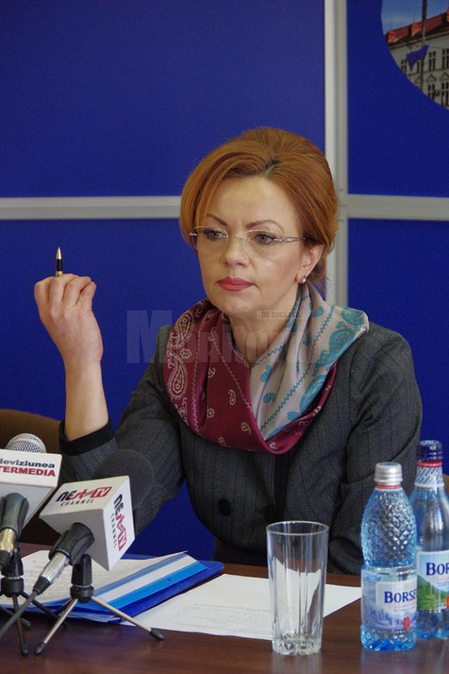 Prefectulul județului Suceava, Mirela Adomnicăi