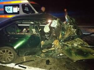 Doi tineri au murit după un cumplit accident rutier la Câmpulung Moldovenesc. Şoferul fugar a fost găsit de poliţişti