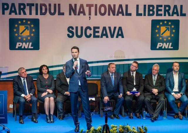 Secretarul general al PNL, Robert Sighiartău