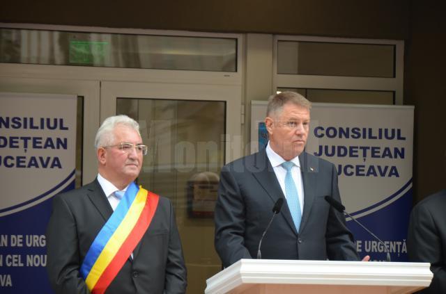 Presedintele PNL Suceava Ion Lungu, alaturi de presedintele Romaniei, Klaus Iohannis