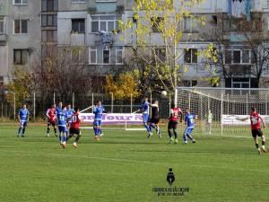 Șomuz nu a reuşit să obţină decât un punct din duelul cu echipa din Galaţi. Foto Alex Săvescu (Cronica de Fălticeni)
