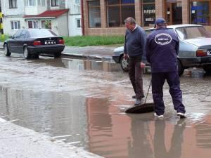 Avaria apărută ieri, pe strada Humorului din Fălticeni